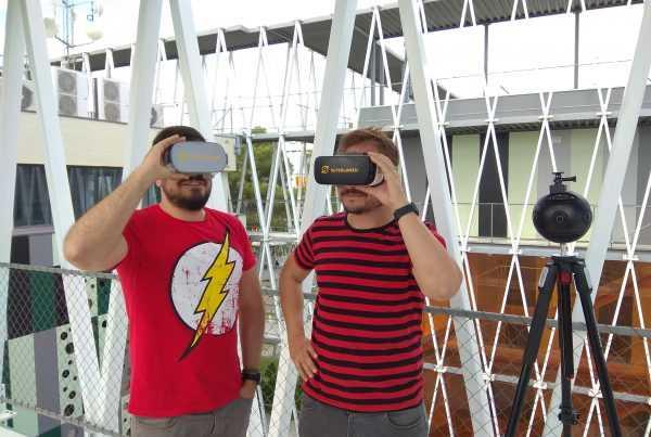 Superlumen orienta a los clientes sobre las gafas de VR Parque Científico de Murcia